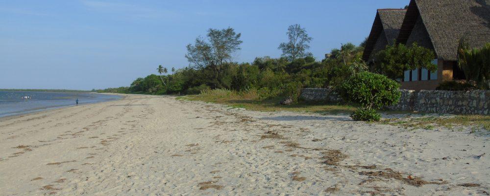 Bagamoyo beach at Family Cottage