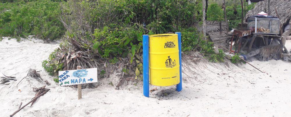 Bagamoyo Beach Lovers rubbish bins